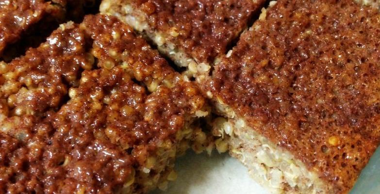 Cinnamon Quinoa Bars